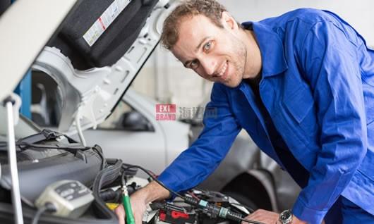 美国更换机油和机油滤清器