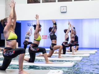 消费者行为如何影响泳装行业