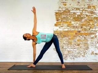 瑜伽老师可以通过5种方式让他们的课程更具包容性