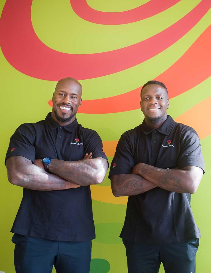 Vernon Davis(left) and Mohamed Sanu
