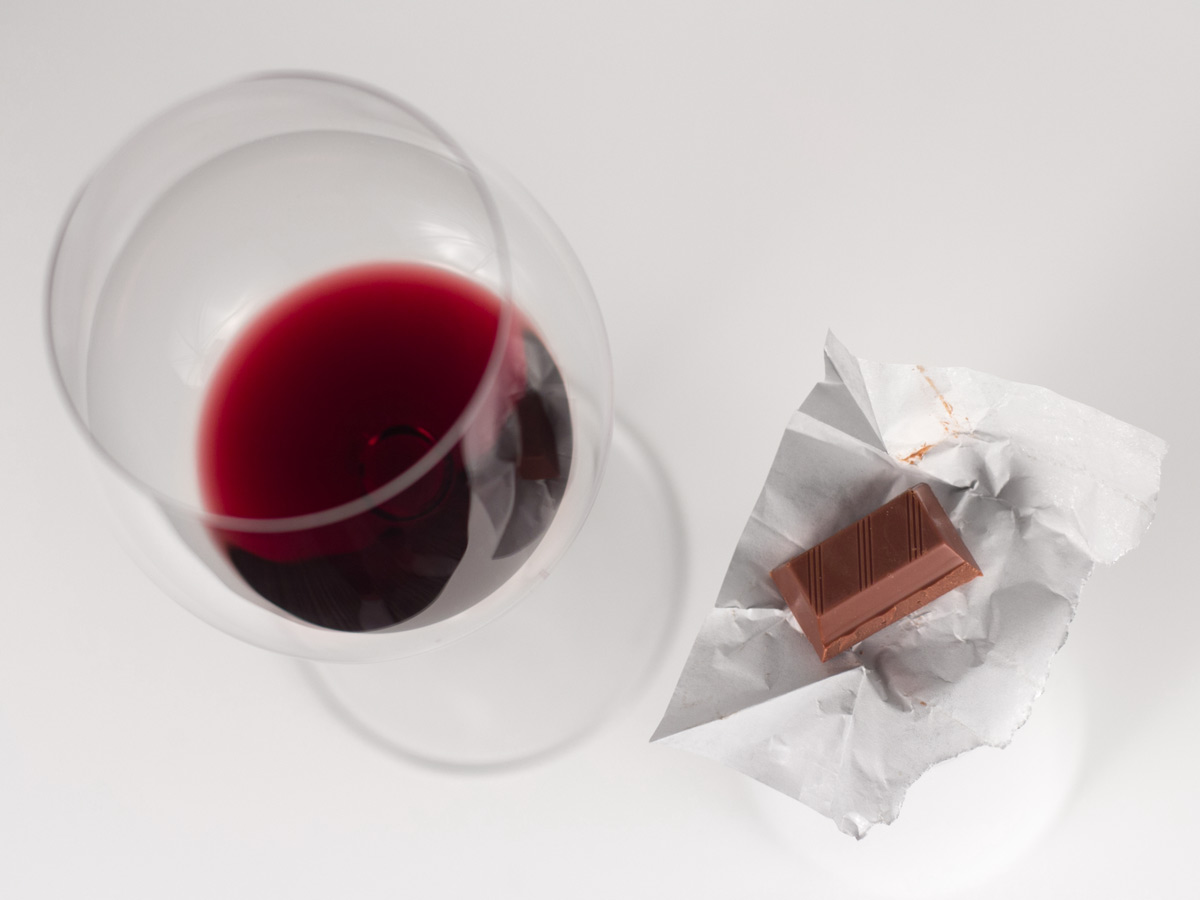 pairing-red-wine-with-chocolate-how