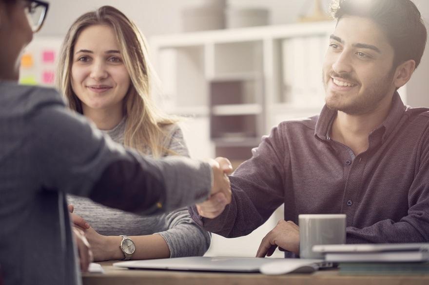 在购买特许经营权之前,你应该征求4个团体的意见