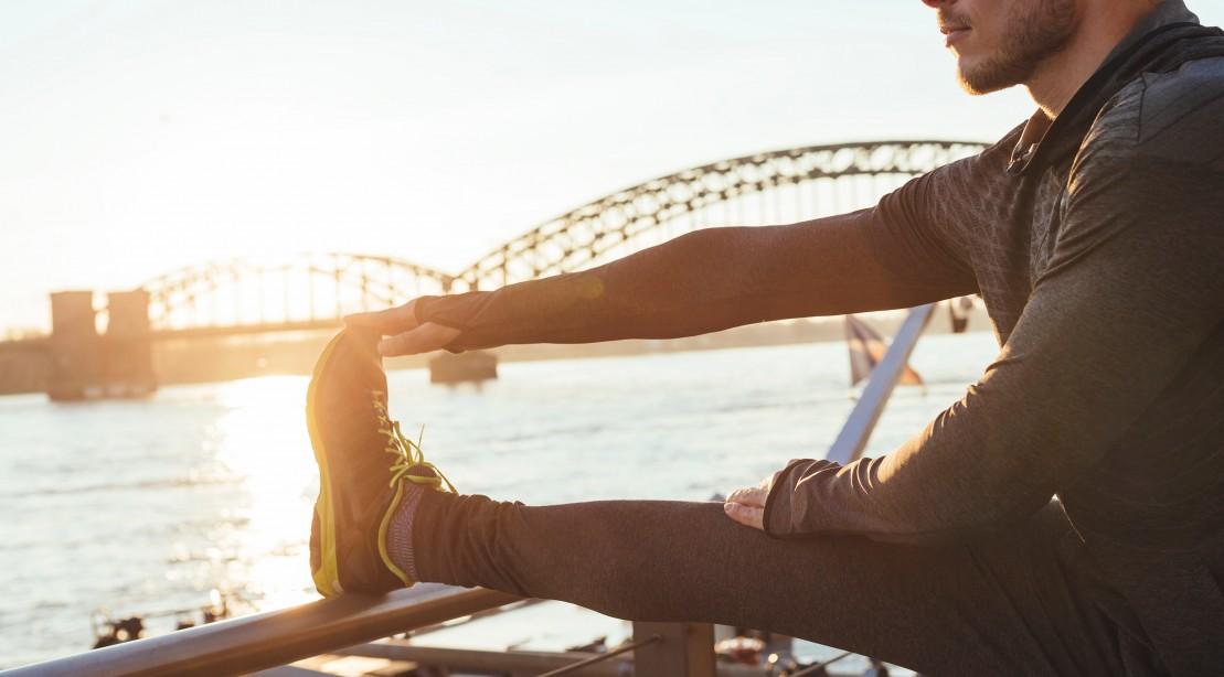 训练前最好放松脚踝和手腕
