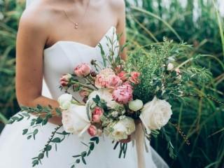 2019年婚礼婚庆趋势:从亮粉色到带口袋的连衣裙,你将在今年看到的10件事