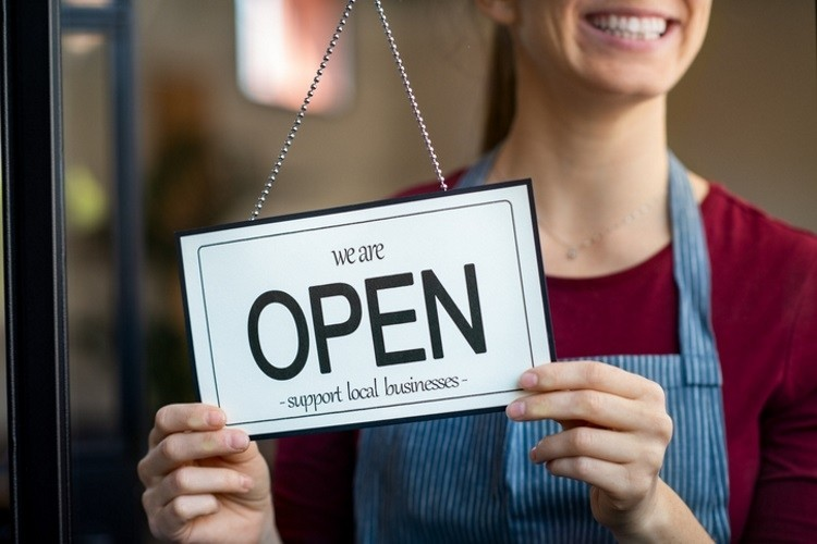 How to operate a business in the new normal. Pic: GettyImages/Ridofranz