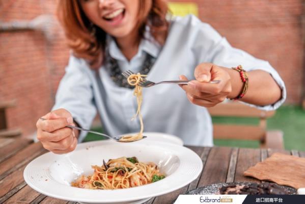 为什么高碳水化合物/低脂肪饮食可以降低患代谢性疾病的风险?