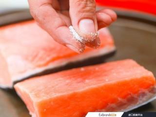 鲑鱼做法_烤鲑鱼的3种方法